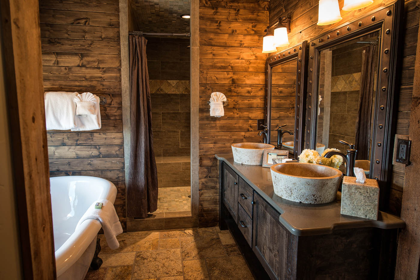 Деревянная ванная комната фото