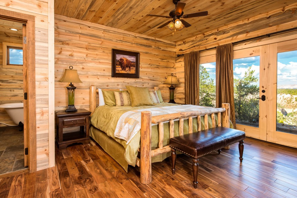 Canyon Rim Family Lodge